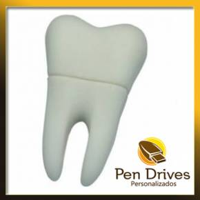 Pen Drive no Formato de Dente